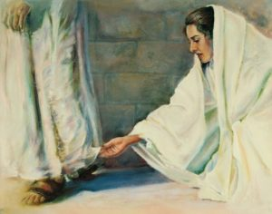 Woman touches hem of Christ's garment - Heidi Daynes Darley